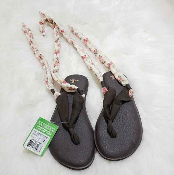 779c60b8f046 Women s Sanuk Yoga Sling Up Prints Sandal Size 7